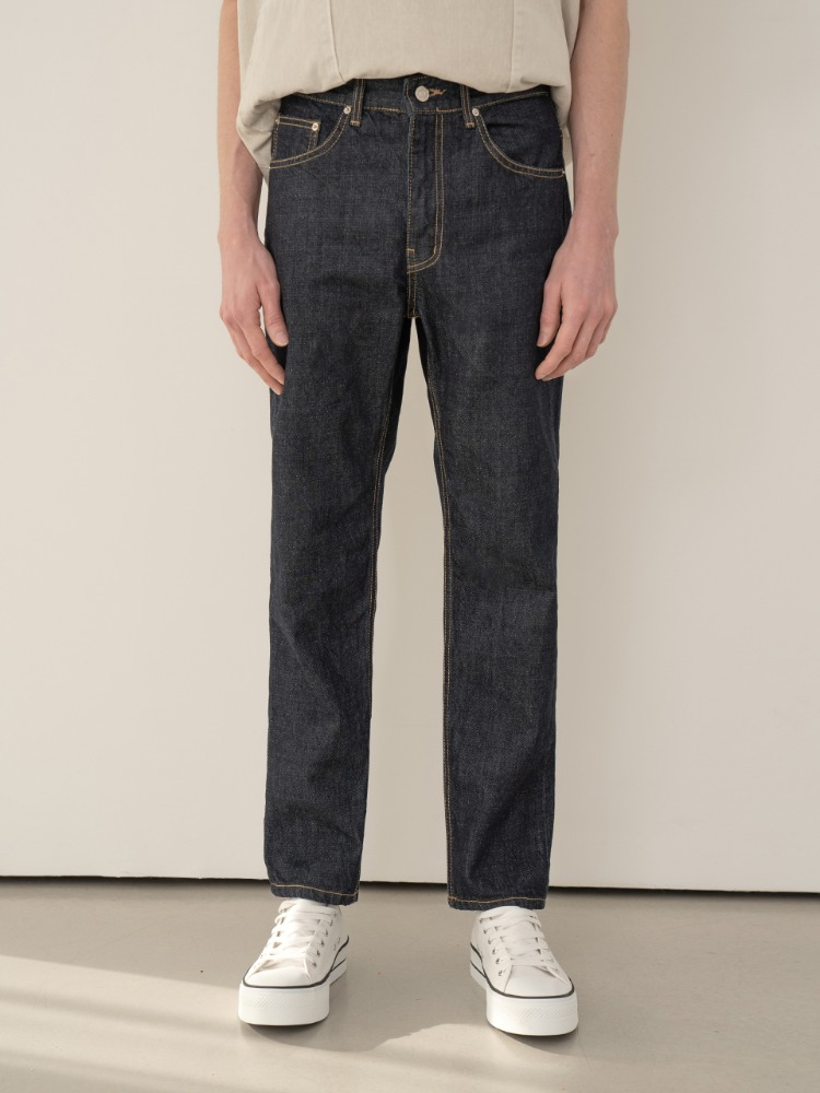 #men [STRAIGHT.FIT] Dough jeans.pdf